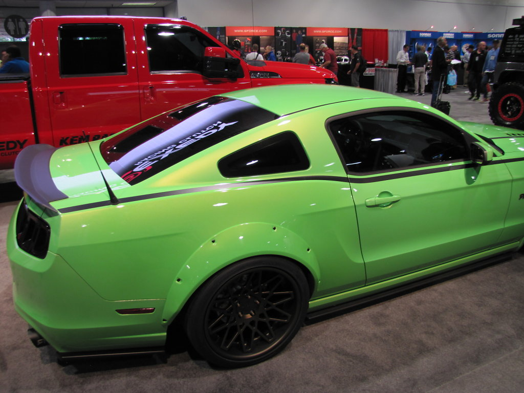 FORD-MUSTANG-GREEN-SIDE.JPG
