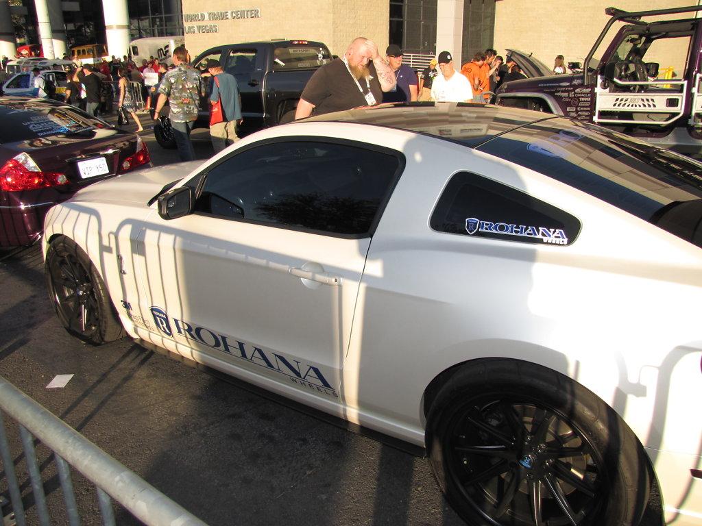 Ford-Mustang-White.JPG