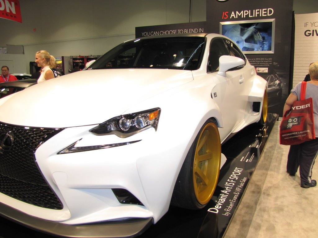 Lexus-ISF-aerodynamic-side.JPG