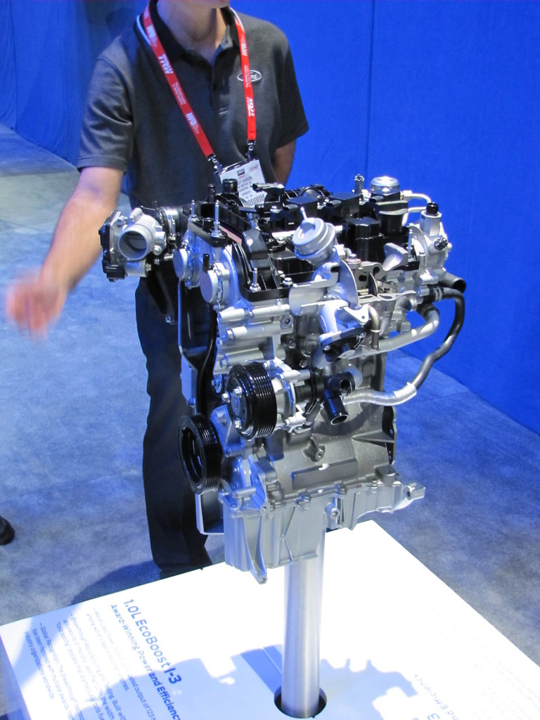 Ford-3-Cylinder-Engine2.JPG