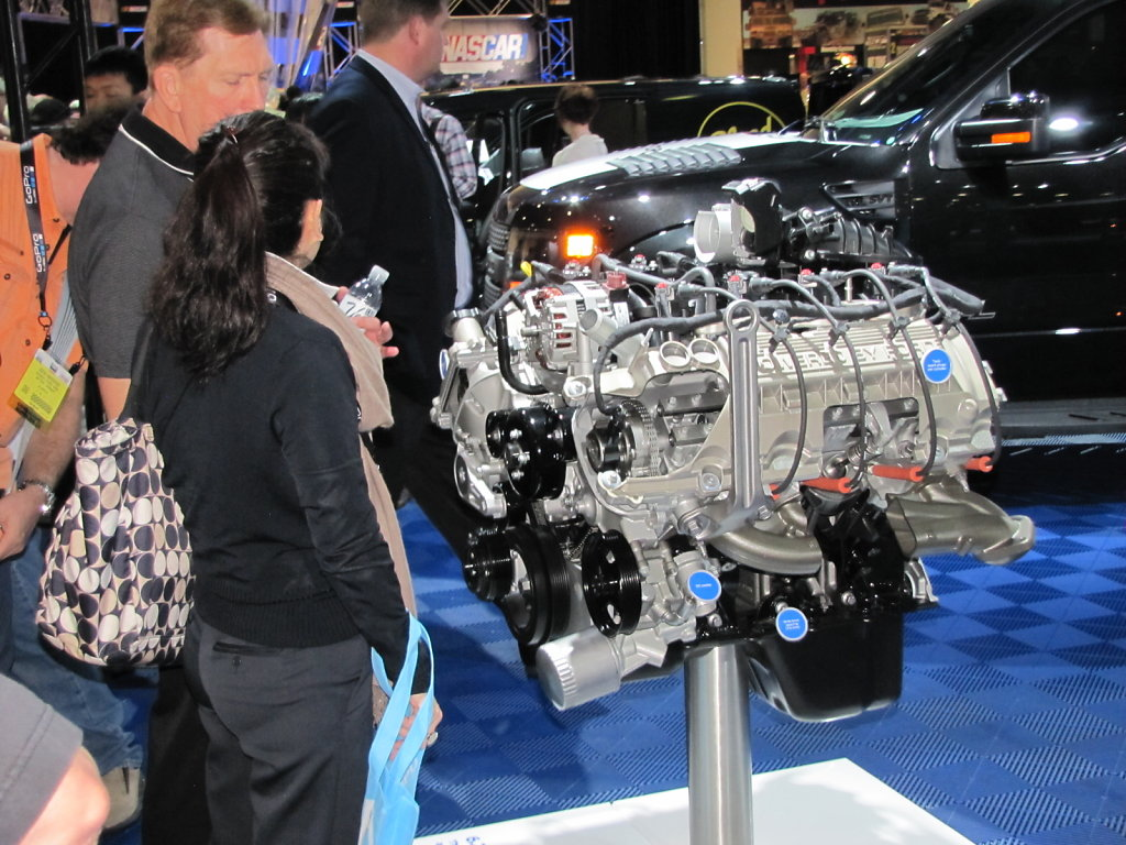 FORD-Engine.JPG